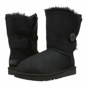 UGG 5803 Short Black Bailey Button Boots
